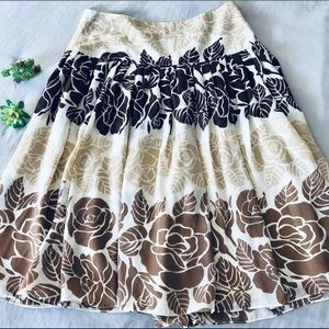 Kenar fit & flare floral skirt with brown shades 6